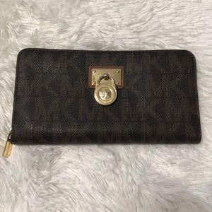 Michael Kors Hamilton Lock wallet